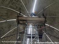 Neun Meter, 36 Tonnen: Die Kuppel on Heinersdorf