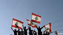 Der neue Präsident Libanon, Volk mit der National Flagge