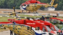Ein Hubschrauber Dhruv der indischen Armee startet am Freitag, 23. Mai 2008, zu einem Abnahmeflug fuer die Internationale Luft- und Raumfahrtausstellung (ILA) Berlin auf dem Flughafen Berlin-Schoenefeld. Die ILA, eine der drei weltgroessten Lufverkehrsausstellungen, beginnt am 27. Mai und dauert bis zum 1. Juni 2008. (AP Photo/Sven Kaestner) ---A helicopter of the Indian Air Force starts for a test flight to preparate for the International Berlin Air Show ILA at Berlin Schoenefeld airport Friday, May 23, 2008. Indian helicopter squadron Sarang is in the programm for the first time. The ILA, one of the three biggest air shows worldwide, starts on Tuesday, May 27 and runs till June 1, 2008. (AP Photo/Sven Kaestner)