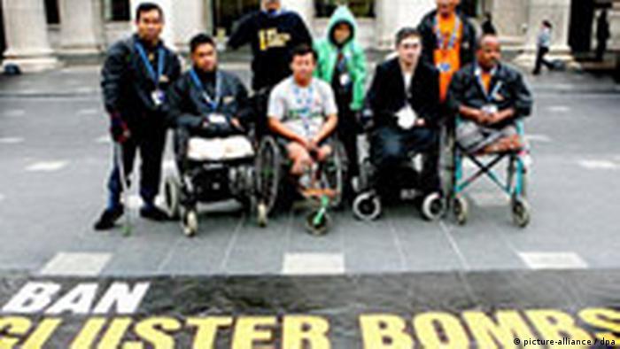 Protest gegen Einsatz von Streubomben