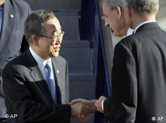 UN Secretary-General Ban Ki-moon is received by Swedish Foreign Minister Carl Bildt