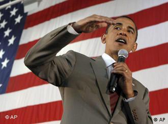 Barack Obama vor der US-Flagge