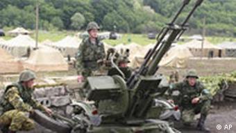Rusya, Abhazya'daki asker sayısını sürekli artırıyor