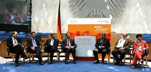 Global Media Forum Paneldiskussion Gruppenfoto