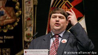 Bernd Posselt, predstavnik narodnjaka u Europskom parlamentu i član Saveza protjeranih Nijemaca