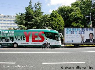 Campaign posters for and against the Lisbon Treaty in Ireland