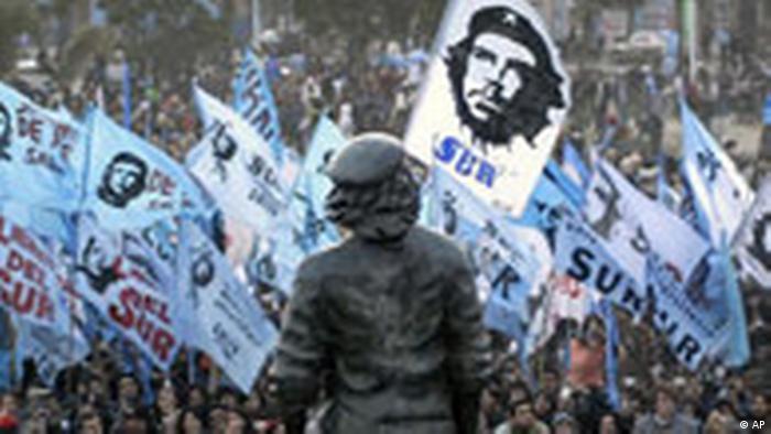 Zeremonie der Enthüllung einer Statue von Kuba geboren argentinischen revolutionären Helden Che Guevara (AP)