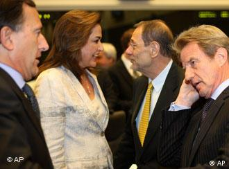 По време на срещата: Франко Фратини, гръцката външна министърка Дора Бакоянис, Хавиер Солана и френският външен министър Бернар Кушнер
