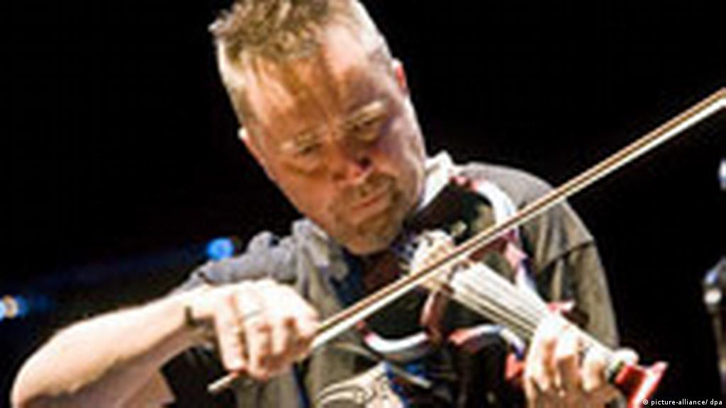 Violinist Nigel Kennedy wows German audiences | Culture