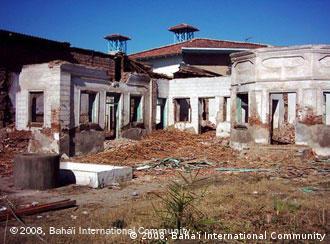 تخریت حظیرةالقدس شهر بابل در آوریل ۲۰۰۴
