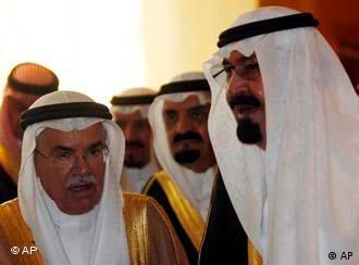 ملک عبدالله، پادشاه عربستان و چند شیخ نفتی دیگر − قدرت آنان بر رانت نفت و گاز استوار است