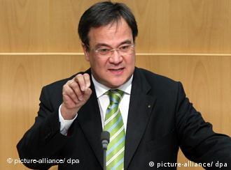 Der nordrhein-westfälische Familienminister Armin Laschet im Düsseldorfer Landtag (Foto: dpa)