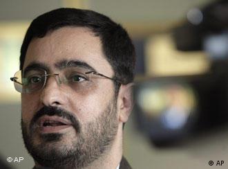 سعید مرتضوی با حفظ سمت معاون دادستانی کل کشور، نماینده ویژه احمدینژاد شد