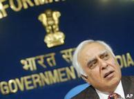 وزیر ارتباطات و فنآوری هند گفته است آنها باید از توهین و تمسخر باورهای آیینی مردم خود در وب جلوگیری کنند