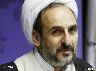 محمد نیازی، به دلیل «اهمال در وظایف حیطه کاری و لو رفتن اسناد» برکنار شد.
