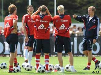 Juergen Klinsmann and Bayern Munich players