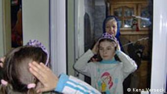 Rumänien Mädchen lebt bei Oma