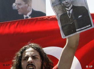 Ататюрк - вездесъщият идол