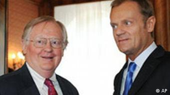 US-Botschafter Victor Ashe, links, und Donald Tusk