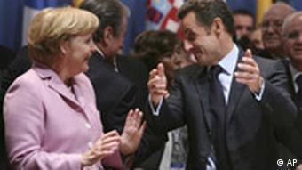 Merkel und Sarkozy (Foto: AP)