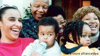 Nelson Mandela mit Familie an seinem 82. Geburtstag