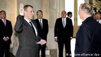 Belgischer König nimmt Rücktrittsgesuch von Leterme nicht an