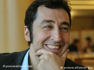 Cem Özdemir: un nuevo rostro multicultural al frente de Los Verdes alemanes.