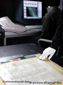Digitalizing pages from the Codex Sinaiticus at the University of Leipzig