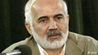 احمد توکلی، نمایندهی مجلس شورای اسلامی و از منتقدان سیاستهای اقتصادی دولت محمود احمدینژاد