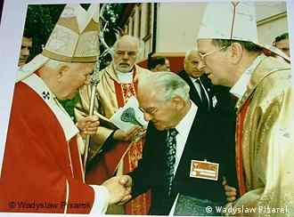 Urban Thelen z Janem Pawłem II w 1997 roku w Gniezdnie