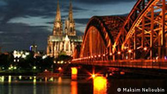 View of the Hohenzollern bridge at night