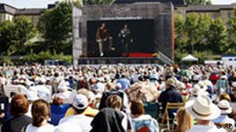 Public Viewing in Bayreuth (Quelle: AP Photo/Andreas Beil)