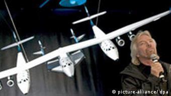 Richard Branson Vorstellung seines Raumschiffes