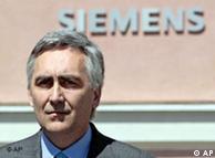 Ο διευθύνων σύμβουλος της Siemens Πέτερ Λέσερ  στα κεντρικά της εταιρίας στο Μόναχο