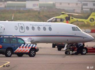 Das Flugzeug, in dem Karadzic vermutlich nach Den Haag gebracht wurde, Quelle: AP