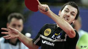 Timo Boll in Aktion, im Halbfinale der German Open 2007 in Bremen. Quelle: AP/Jörg Sarbach)