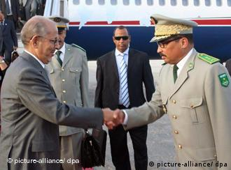 Putsch1.jpg An undated photo made available on 06 August 2008, shows Mauritanian President Sidi Mohamed Ould Cheikh Abdallah (L) as he is greeted by the head of presidential guards commander General Mohamed Ould Abdel Aziz (R) at the airport in Nouakchott, Mauritania. A military junta seized power in Mauritania on 06 August following the arrests of the President and Prime Minister, the local news agency ANI reported. A state council under the leadership of presidential guard commander Mohammed Ould Abdel Aziz had taken power, according to a declaration which was read out on television. EPA/AHMED EL HAJJ +++(c) dpa - Report+++