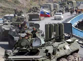 Российская бронетехника в Грузии (фото из архива)