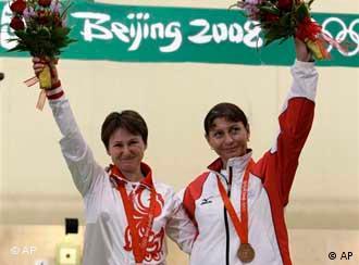 Серебряный и бронзовый призеры Олимпиады россиянка Наталья Падерина и грузинка Нино Салуквадзе
