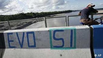 Bolivien Referendum Brücke Graffiti Evo Morales