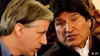 Boliviens Präsient Evo Morales (rechts) mit seinem Vize Alvaro García (09.08.08, AP)