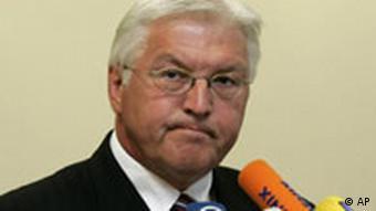 Bundesaussenminister Frank-Walter Steinmeier gibt ein Statement zu den Ereignissen in Georgien
