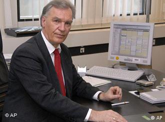 یورگ تسیریکه، سرپرست اداره جنایی فدرال آلمان