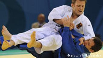 Ole Bischof in a judo match at the summer Olympics in Beijing