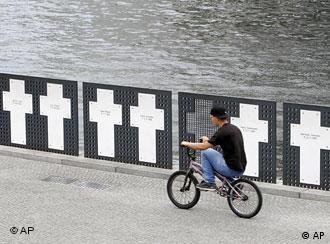 Au moins 136 personnes sont mortes en tentant de franchir le Mur