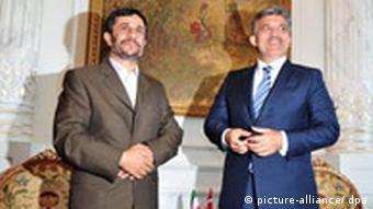 عبدالله گل، رئیس جمهور ترکیه، در سفرش به ایران در کنار محمود احمدینژاد