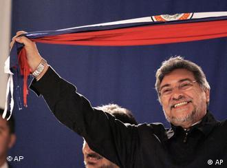 Com a vitória de Fernando Lugo, em 2008 terminaram seis décadas de domínio colorado