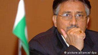President Pervez Musharraf in 2004 (Photo: dpa - Bildfunk+++ )