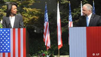 US Secretary of State Rice and Polish President Kaczynski after signing a deal over the US missile defense base