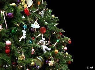 geschmückter Weihnachtsbaum (Foto: AP)